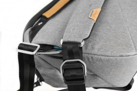Peak Design Everyday Sling 10L 7
