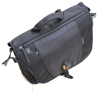 Vanguard UP-Rise Messenger 38 Photo Bag 1