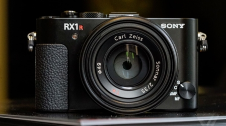 Sony Cyber-Shot RX1R Mark II 4