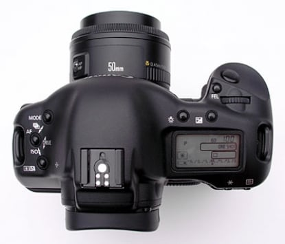 Canon EOS-1Ds Mark II 3