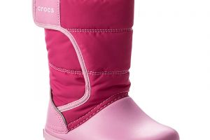 Snehule CROCS - Lodgepoint Snow Boot K 204660