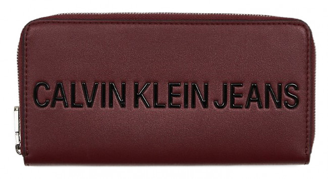 Calvin Klein vínová peňaženka Sculpted Zip Around Beet Red