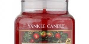 Yankee Candle Red Apple Wreath vonná sviečka