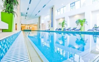 Hotel ABACUS Business & Wellness ****+ s plnou penziou a wellness pri Budapešti - Abacus Business & Wellness Hotel **** superior