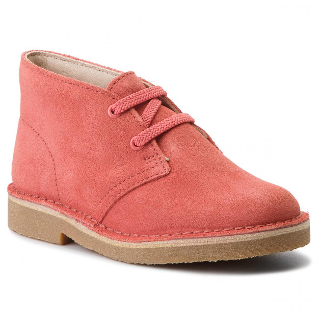 Outdoorová obuv CLARKS - Desert Boot 2613415770 Coral Suede