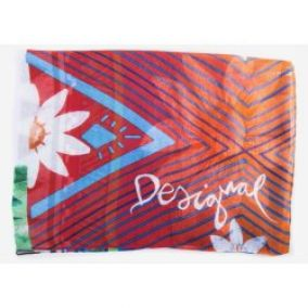 Desigual šátek 61W54A2/Rectangle 3041/Borgoňa