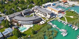 Hotel Silverin Lake Resort **** na brehu Balatonu