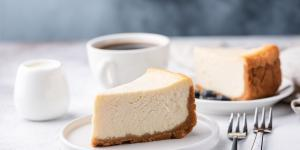 Espresso a cheesecake v Caffe Bar Vista